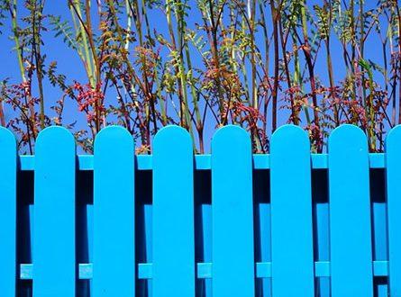 Gartenzaun 445x330 - Gartenzaun selbst aufbauen und sparen