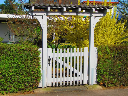 Ein Gartentor schafft Privatsphäre