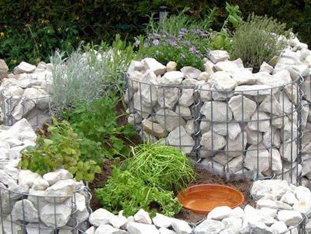 Mit Steinen eine einzigartige Gartenlandschaft kreieren