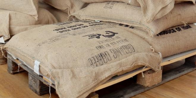 Saecke 660x330 - Große Mengen an Lebensmitteln mit Cobots verpacken